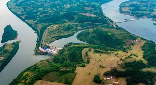 Hidrelétrica reduz geração de energia com a baixa vazão do rio Uruguai