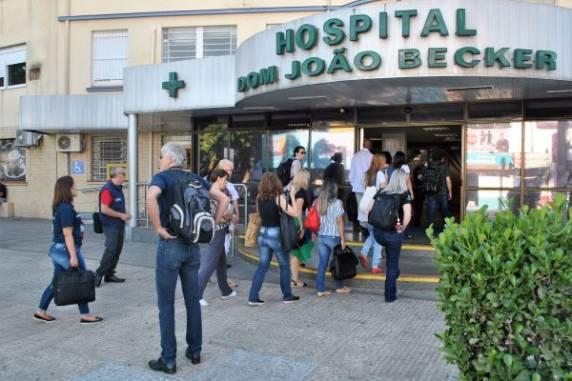 Idoso é acusado de furto em hospital e esposa morre após confusão