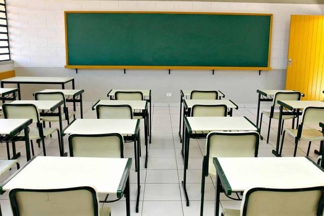 Escolas particulares podem retomar aulas em maio