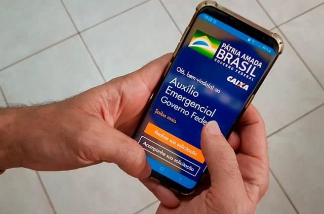 Caixa identifica mais de 60 sites e aplicativos falsos sobre auxílio emergencial