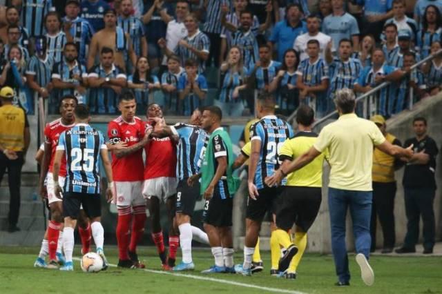 Conmebol define punições para expulsos no Gre-Nal da Libertadores
